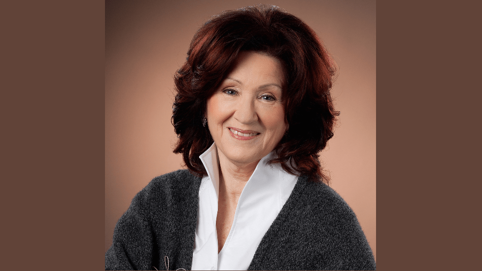 https://www.oneyoufeed.net/wp-content/uploads/2019/08/drsuejohnson-full.png